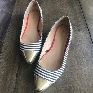 Banana Republic Striped Pointy Toe Flats/w Gold 7M